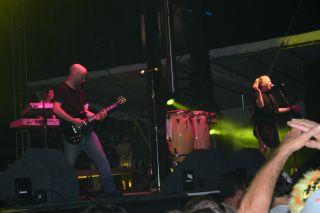Moby on stage at Ultra 2005 image4