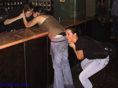 2 girls at the bar